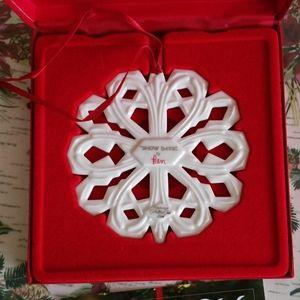 Longaberger 2004 Ben Snowflake Ornament
